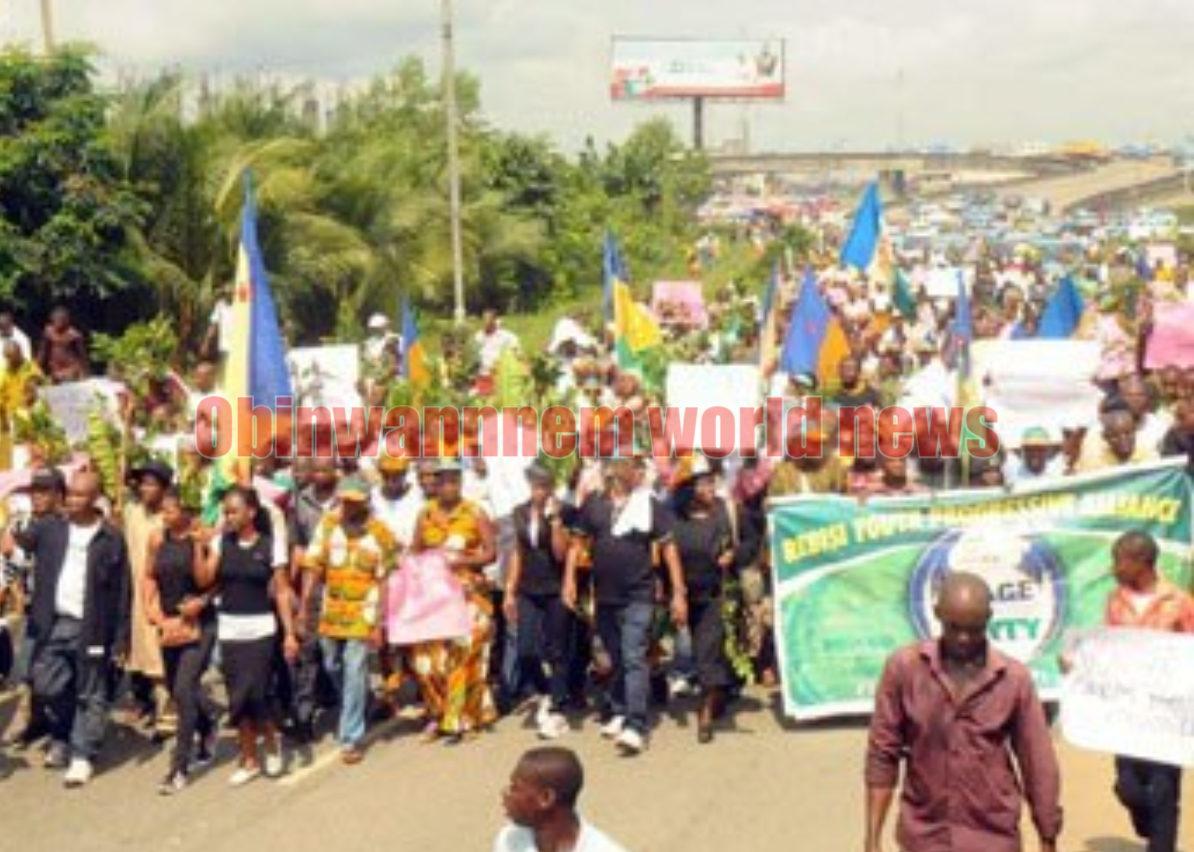 Ogoni people raise a signal over killings in Ogoni neighborhoods